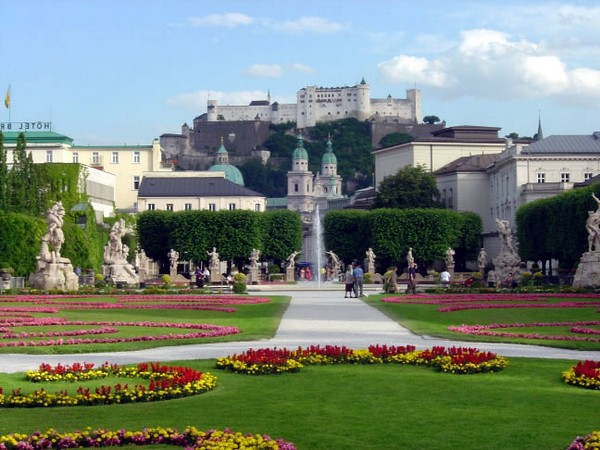 view of_salzburg_fortress_from_mirabell_gardens